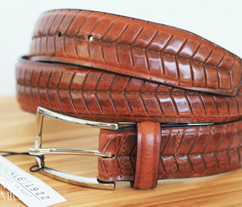 Hint Christmas gift guide - Buckle 1922 belt