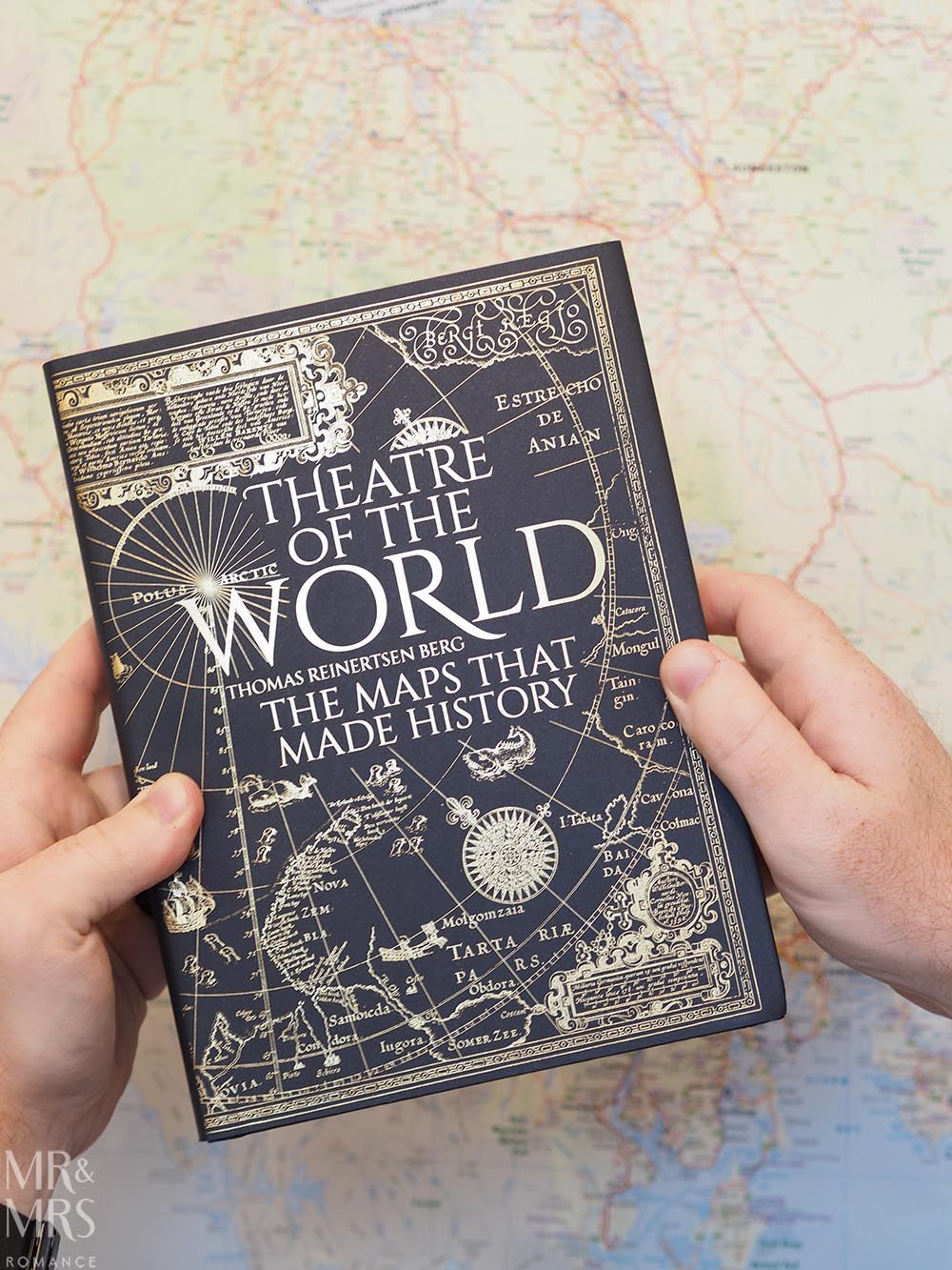 Good book Christmas gift - Theatre of the World maps