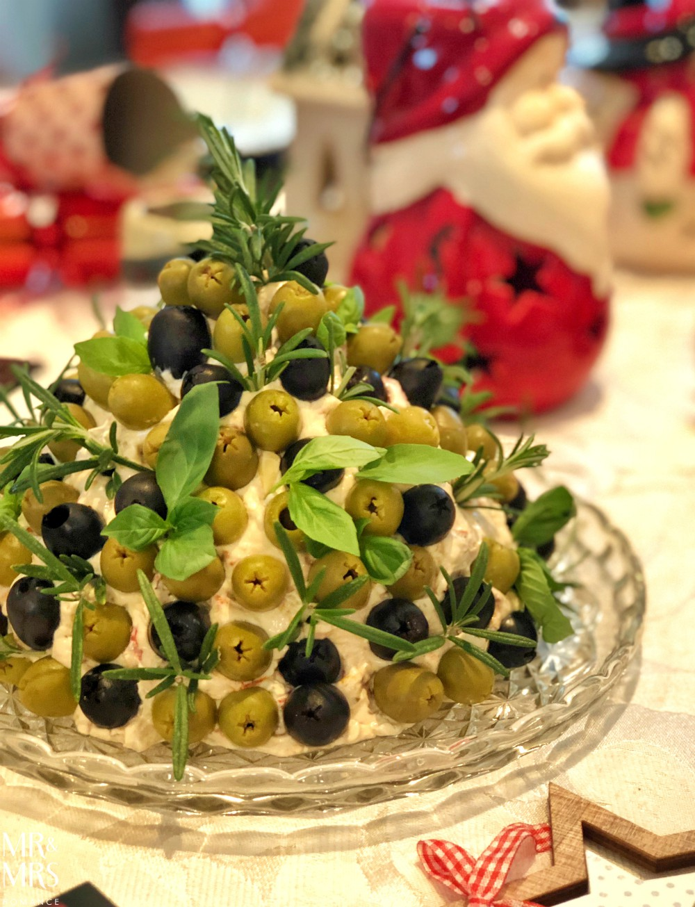 Cheese and olive Christmas tree Christmas recipe - UK