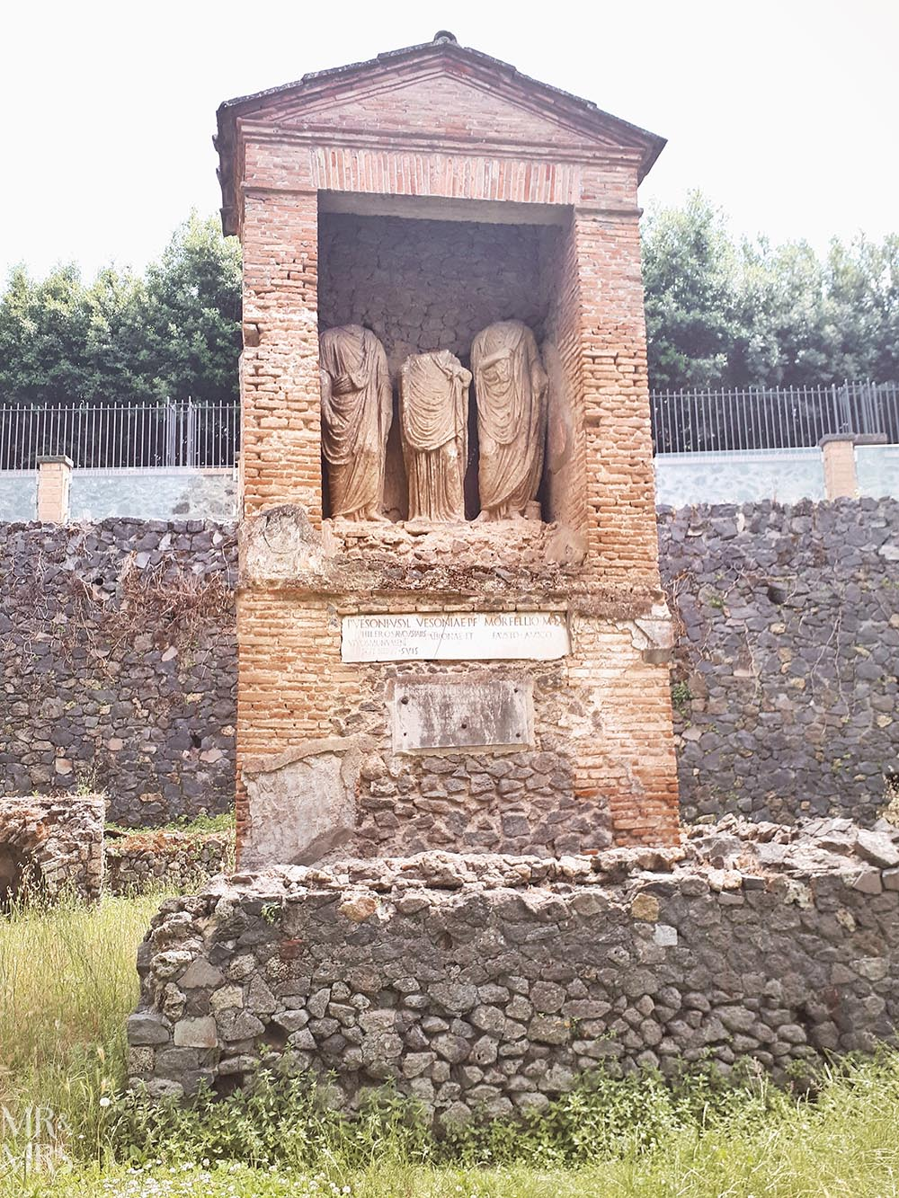 10 things you must see in Pompeii - Cemetery – Necropoli di Porta Nocera