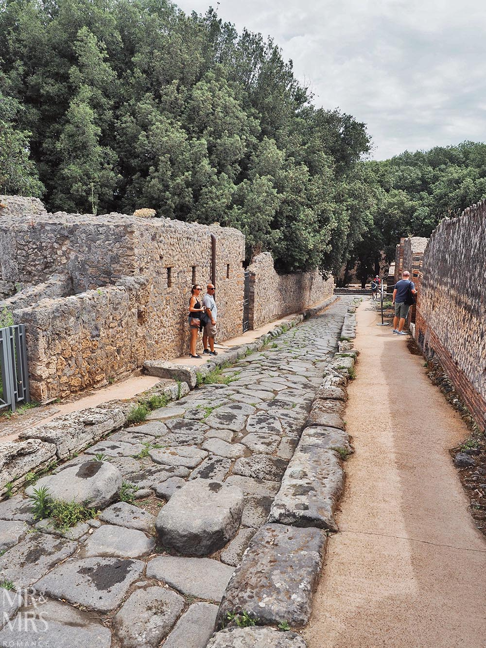 Pompeii DIY tour - how to get the most out of Pompeii - road