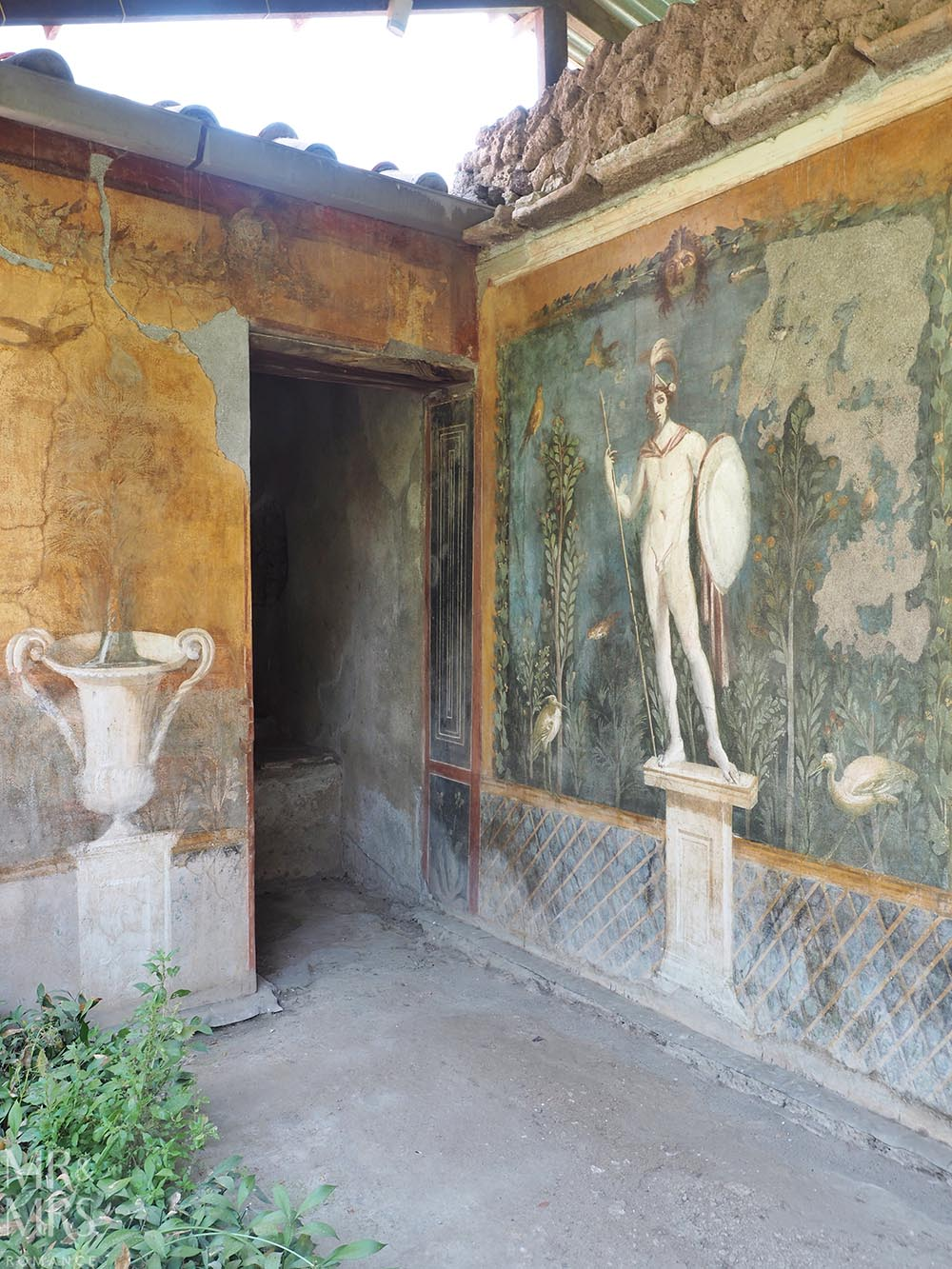 Do you need a tour guide in Pompeii? Frescos in a villa