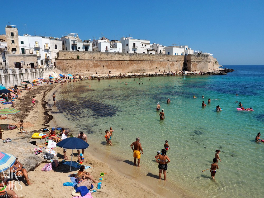 How to travel around Puglia - Monopoli beach