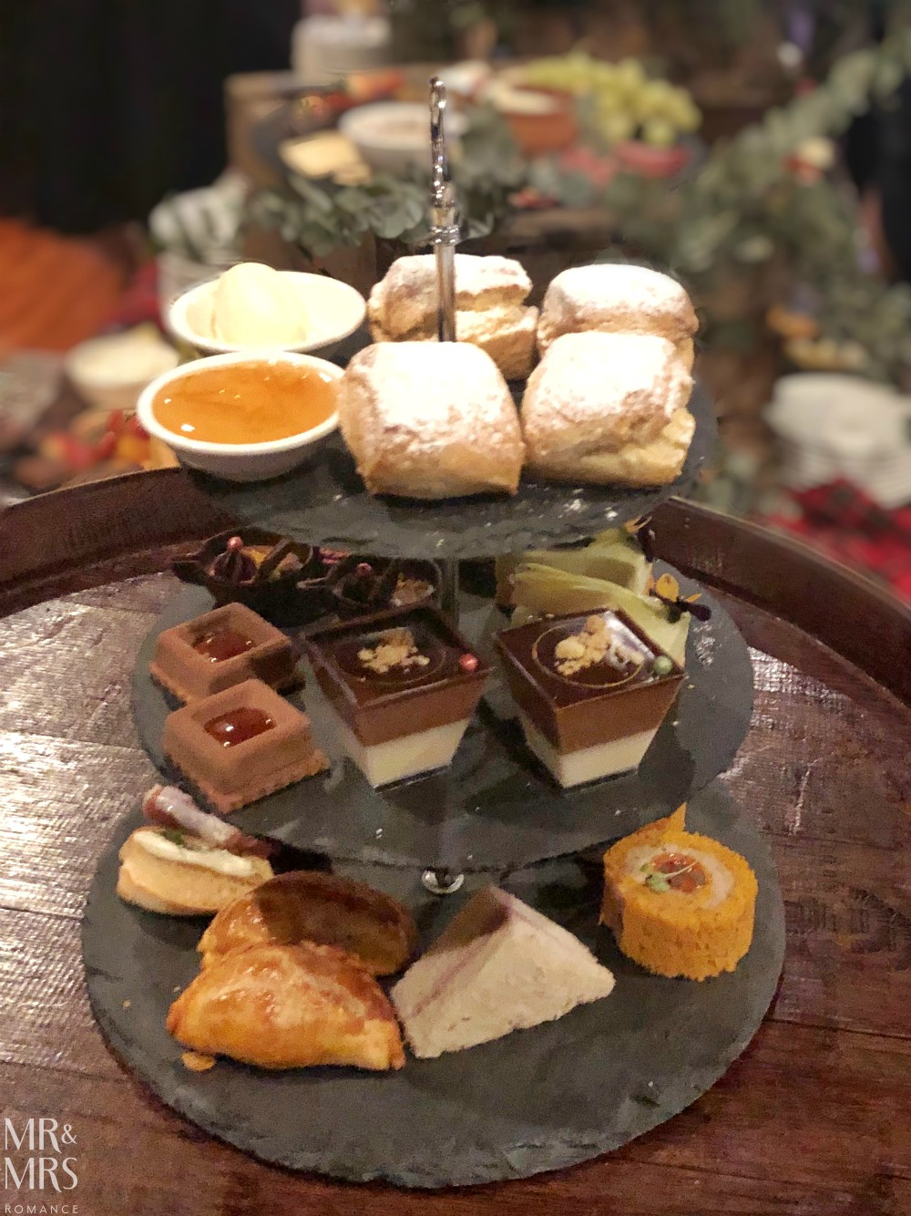 Sir Stamford Hotel - Highlander Bar whisky high tea