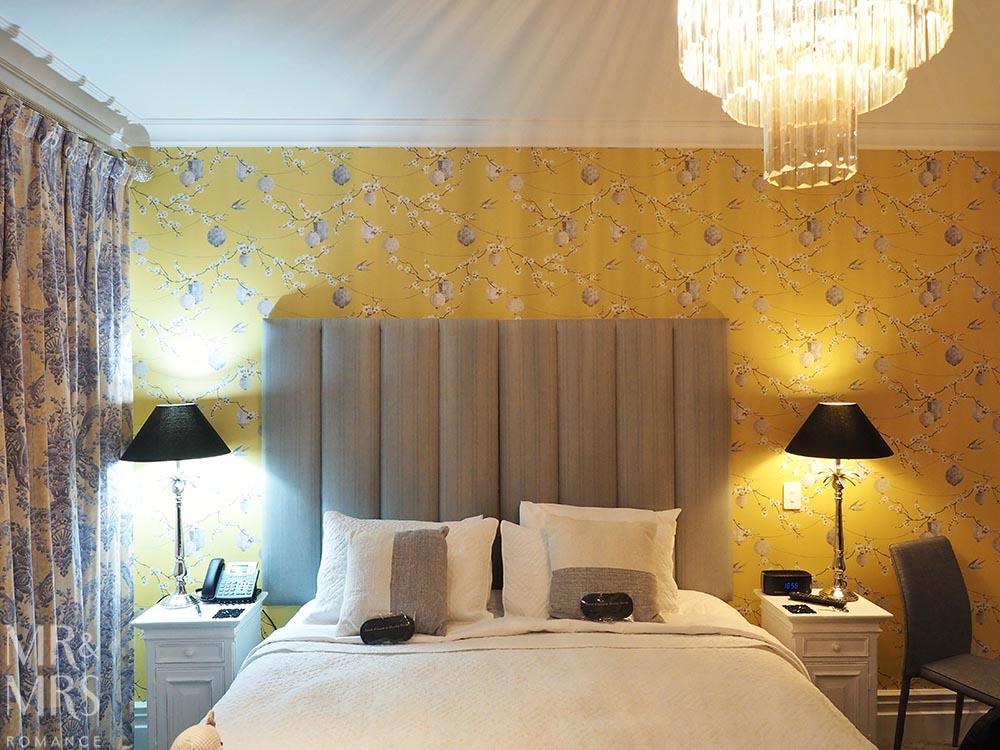 Henley Hotel - bedroom