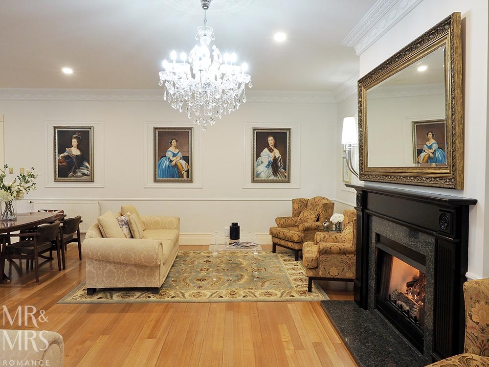 Henley Hotel - living room fire