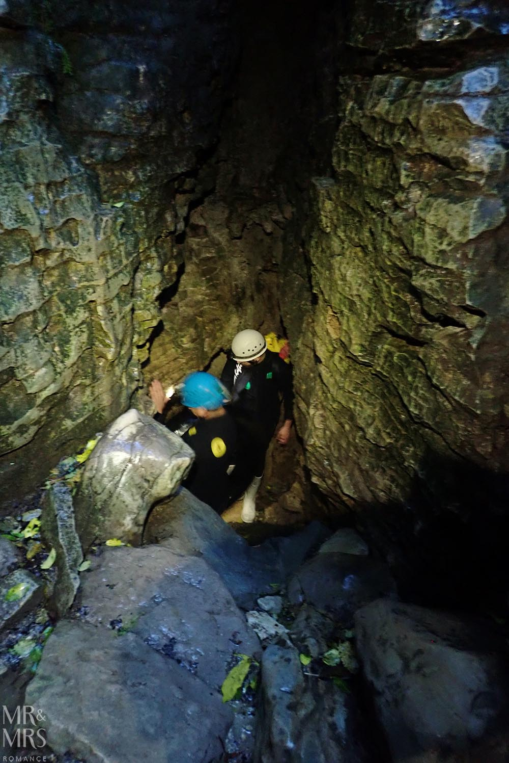 New Zealand Waitomo glowworm cave and Blackwater Rafting caving