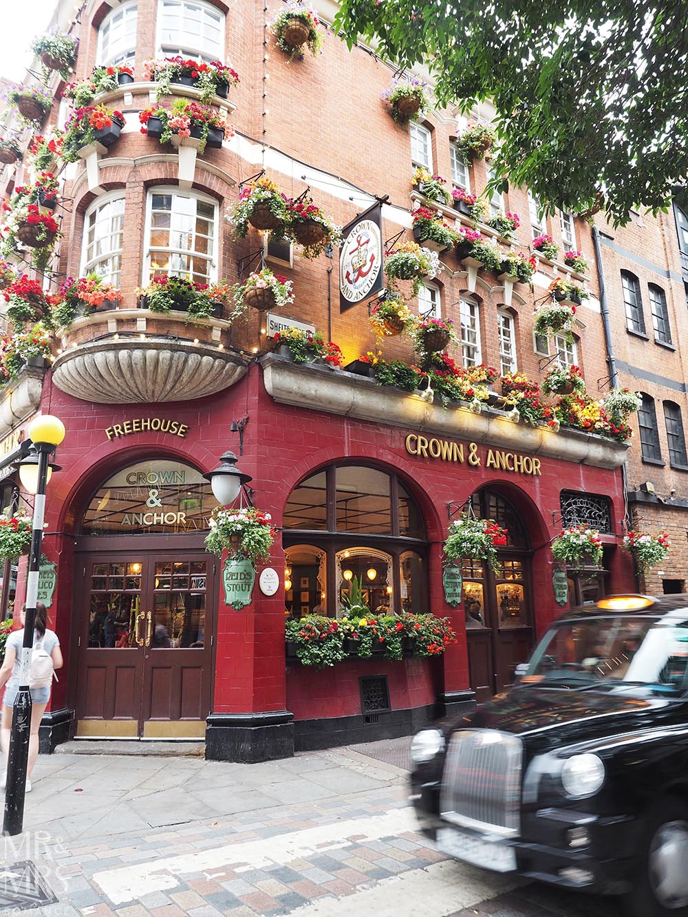 Spring flowers and London Pubs