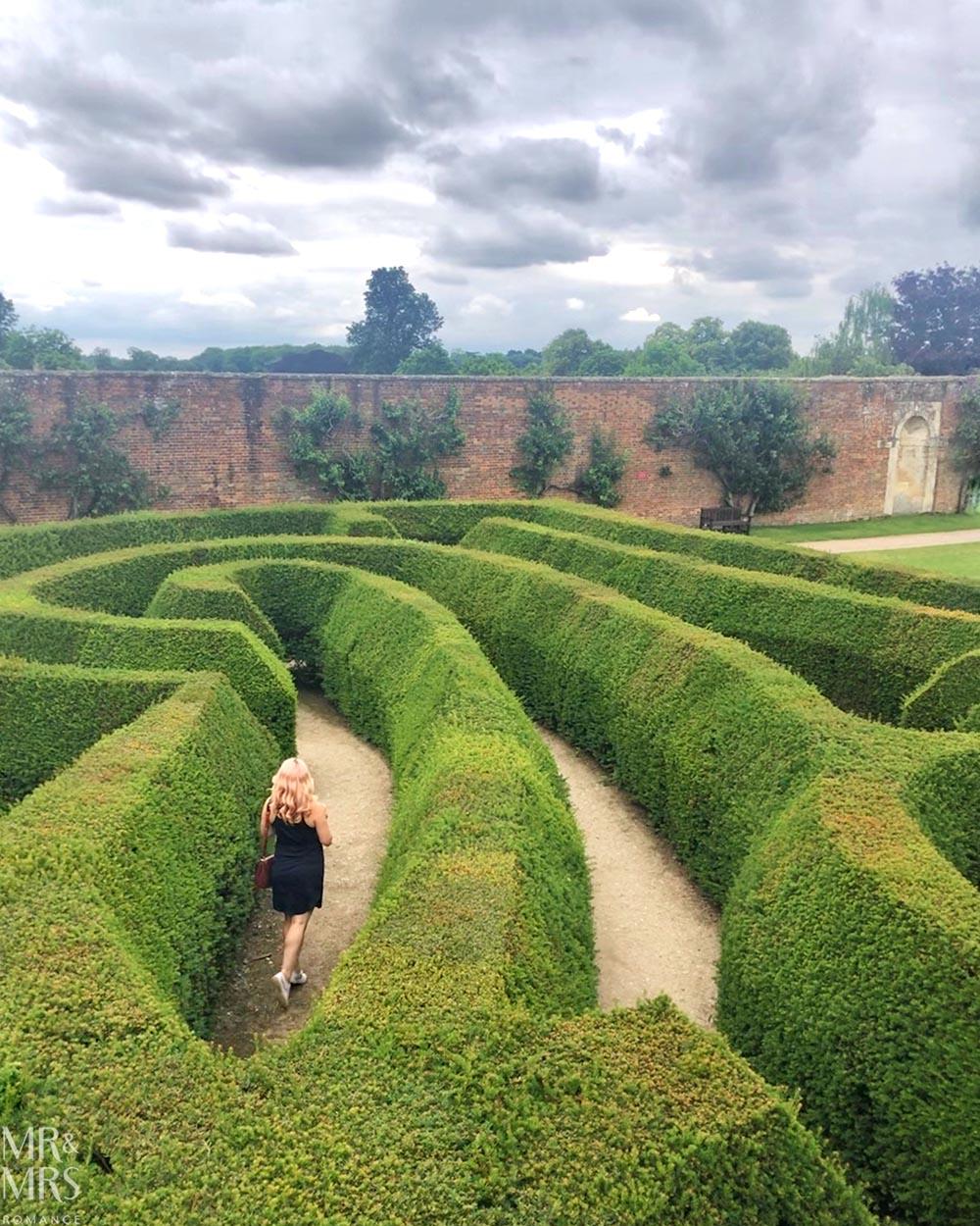 Blenheim Palace Pleasure Gardens hedge maze