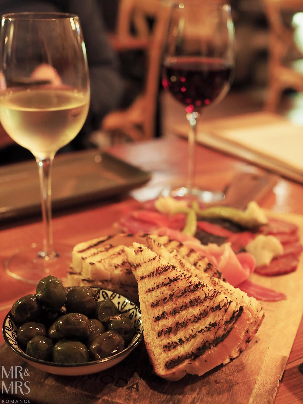 Where to eat in Maitland, NSW - The Rigby - bread, olives and meat