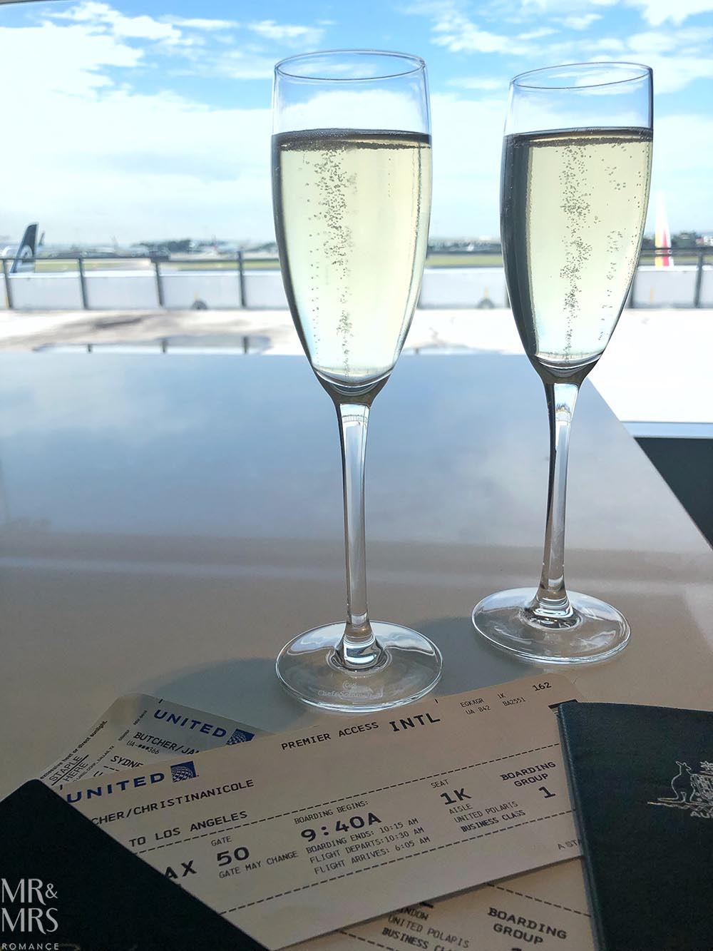 United Airlines business class United Polaris review - Champagne