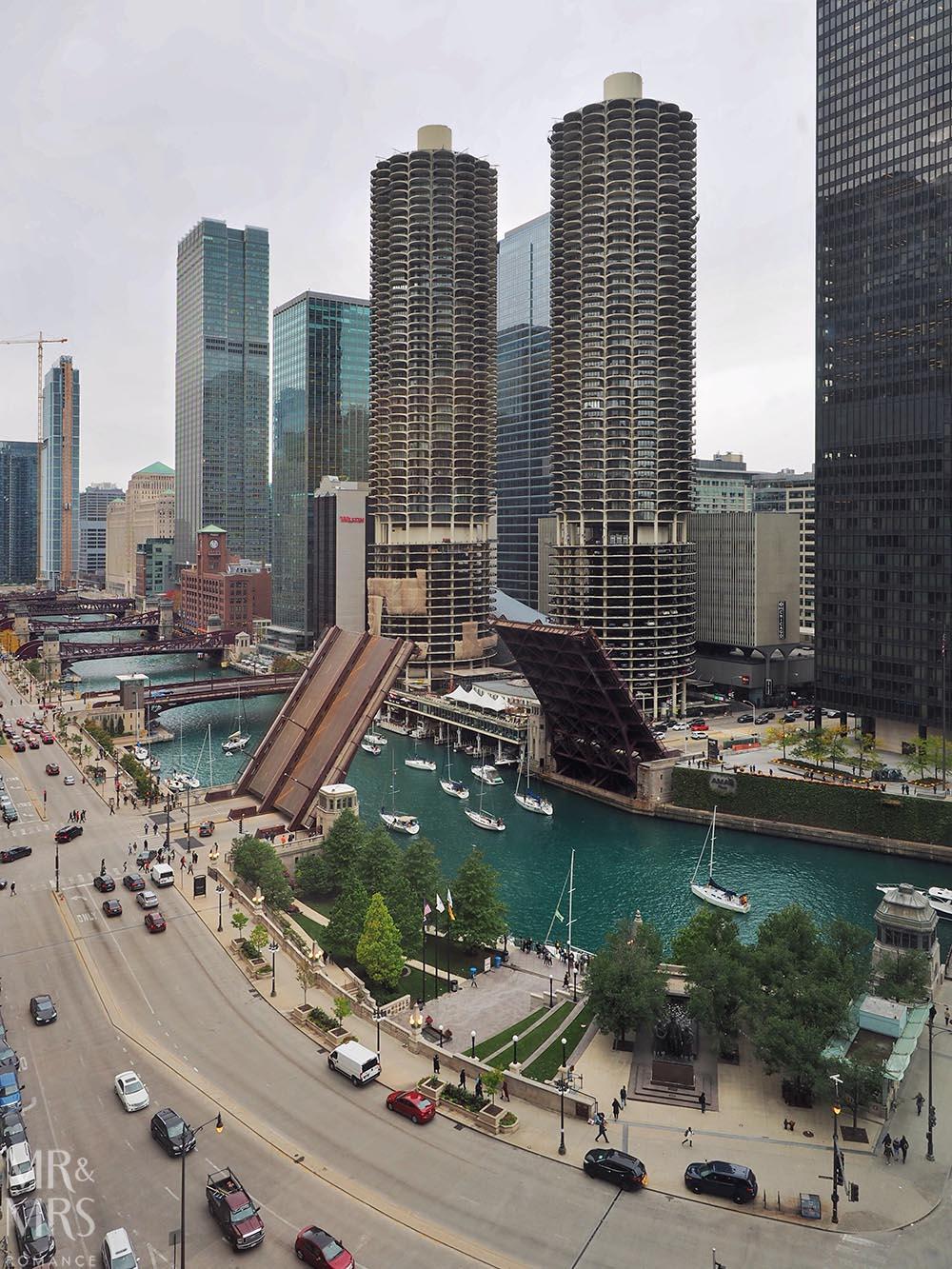 Chicago bridges lifting, Chicago, IL