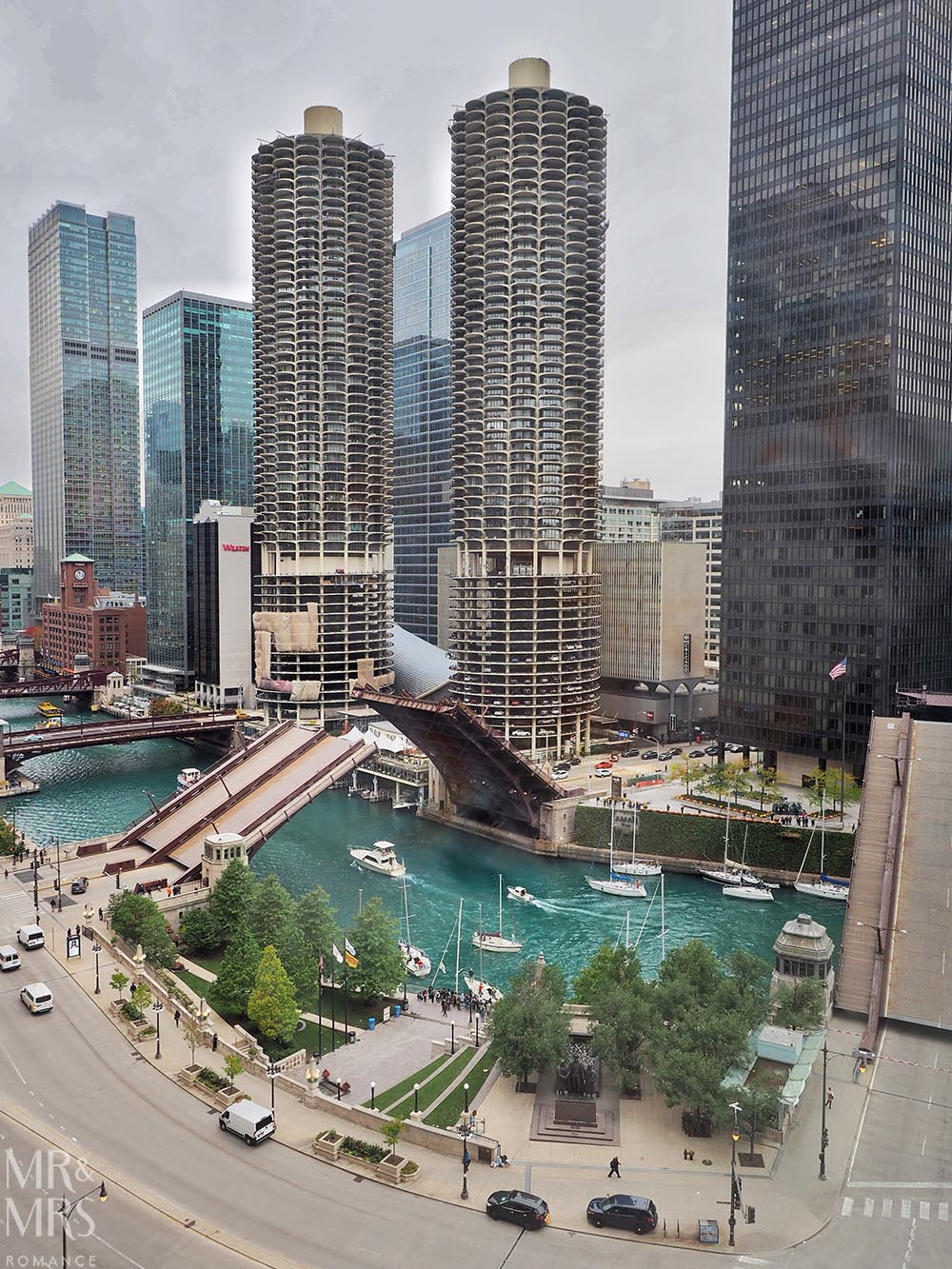 Where to stay in Chicago - Kimpton Hotel Monaco Chicago - suite view - Chicago River