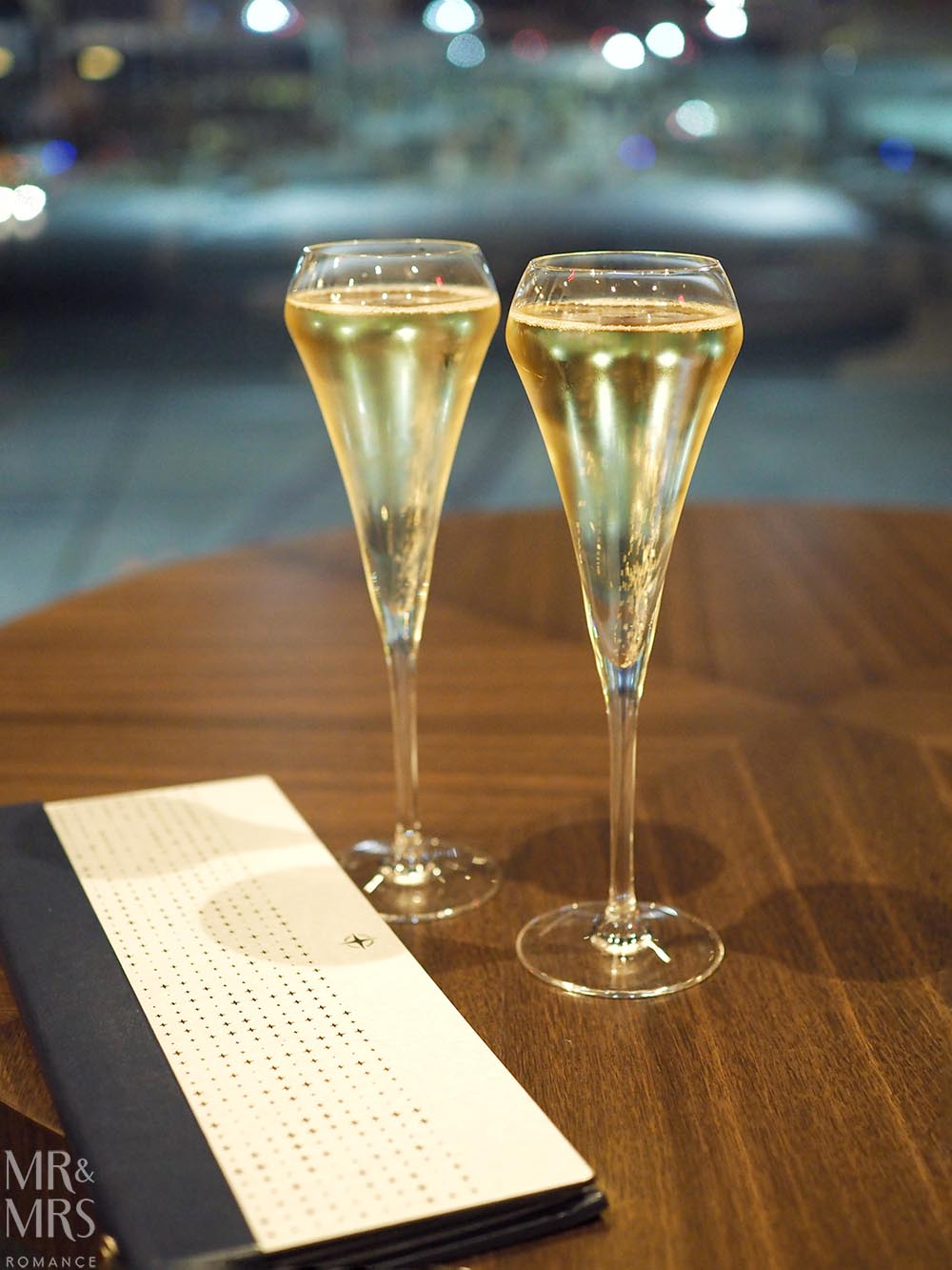 United Polaris Lounge review - champagne