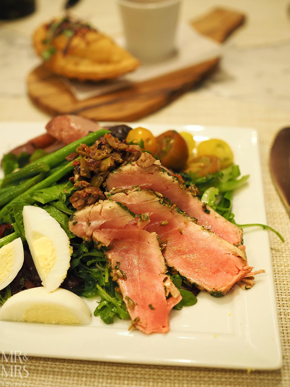 United Polaris Lounge review - The Dining Room seared tuna salad