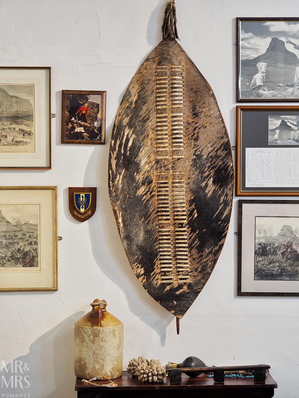 Fugitives' Drift Lodge - museum and shop Zulu sheild