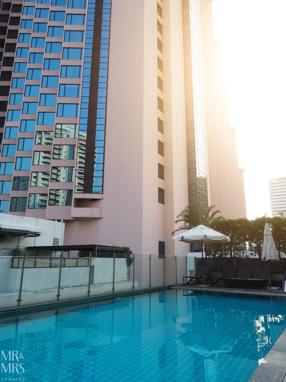 Well Hotel Bangkok, Sukhumvit Soi 20 - rooftop pool