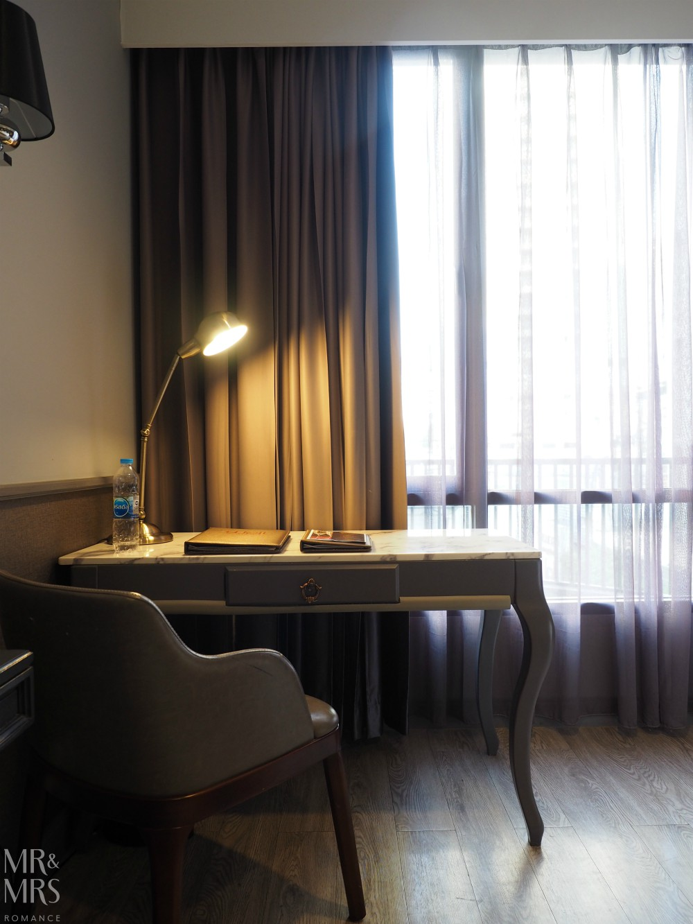 Well Hotel Bangkok, Sukhumvit Soi 20 - desk