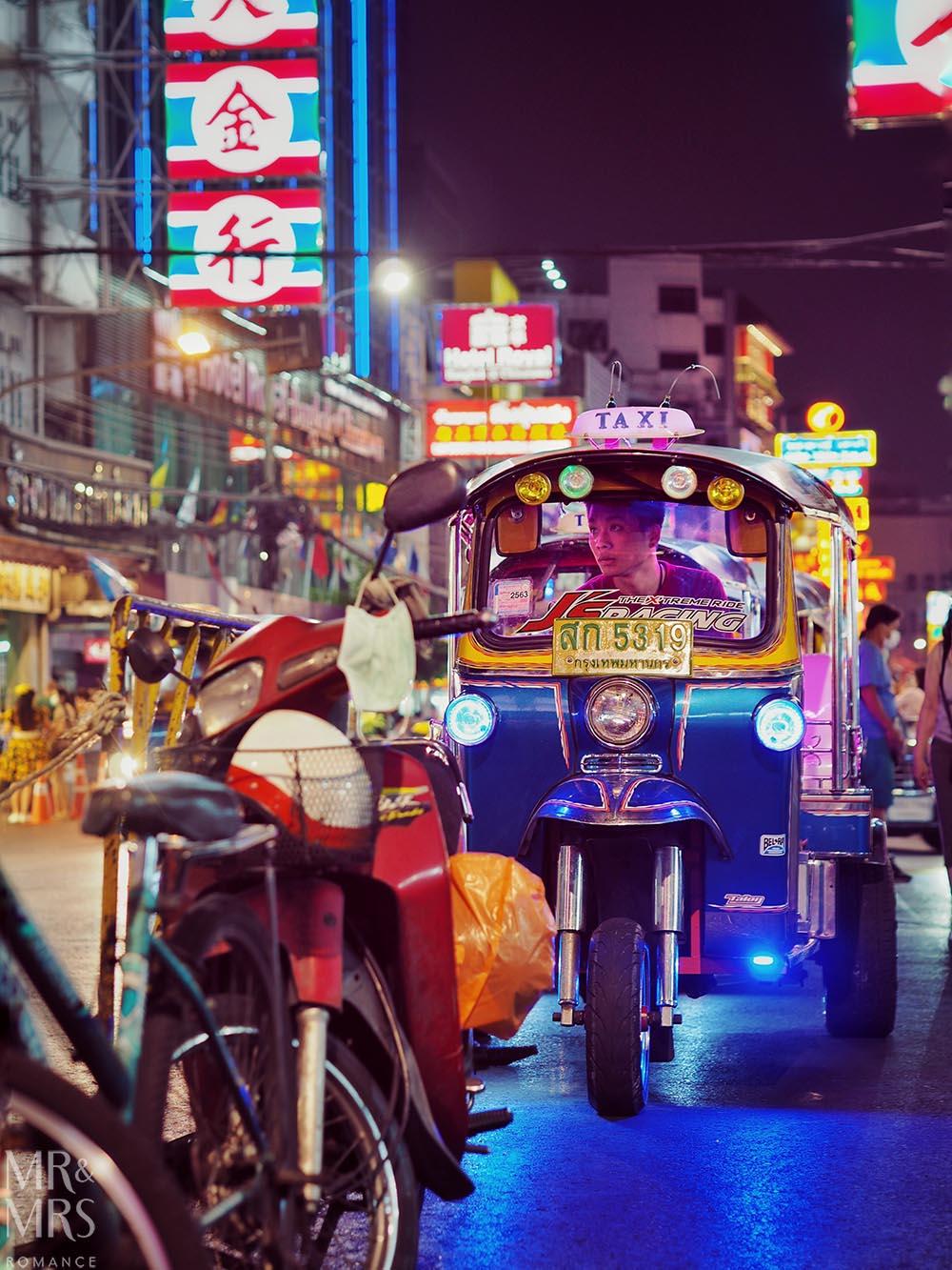 Yoawarat - Bangkok Chinatown - floating tuktuk