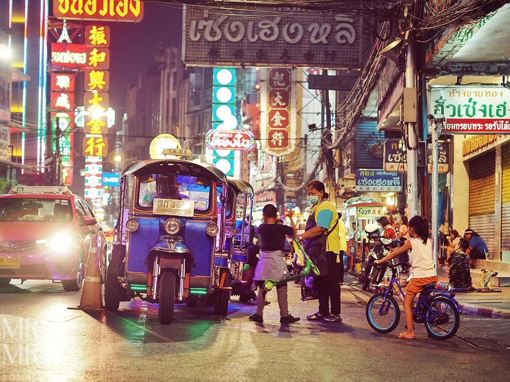 Yoawarat - Bangkok Chinatown - street life