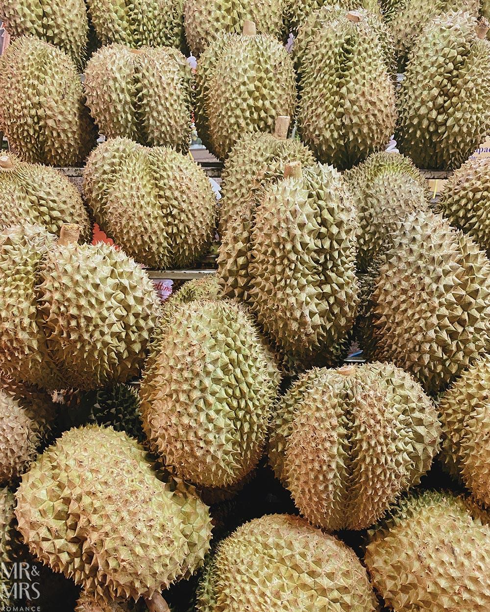 Yoawarat - Bangkok Chinatown - durian