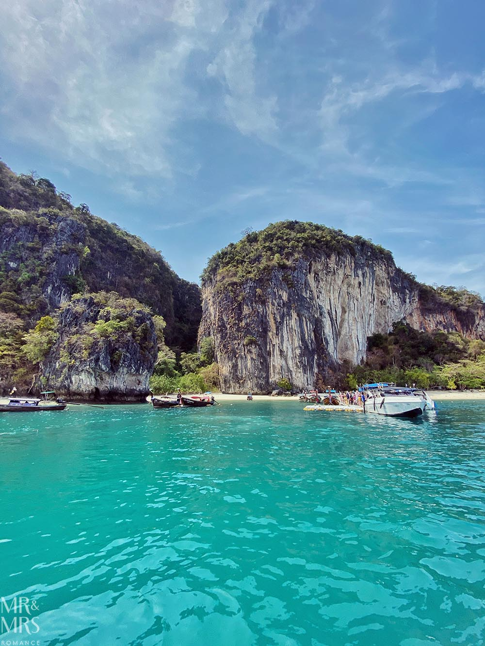 Island-hopping Krabi, Thailand private speedboat Ko Hong