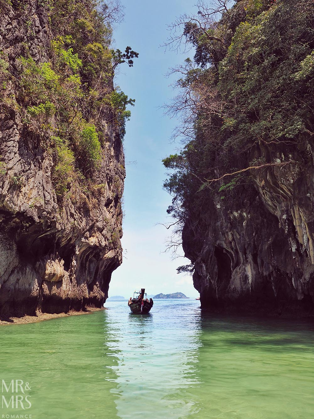 Island-hopping Krabi, Thailand private speedboat Ko Hong lagoon