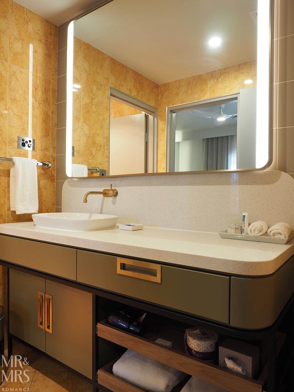 Where to stay in Tamworth NSW - Powerhouse Hotel Tamworth by Rydges - bathroom