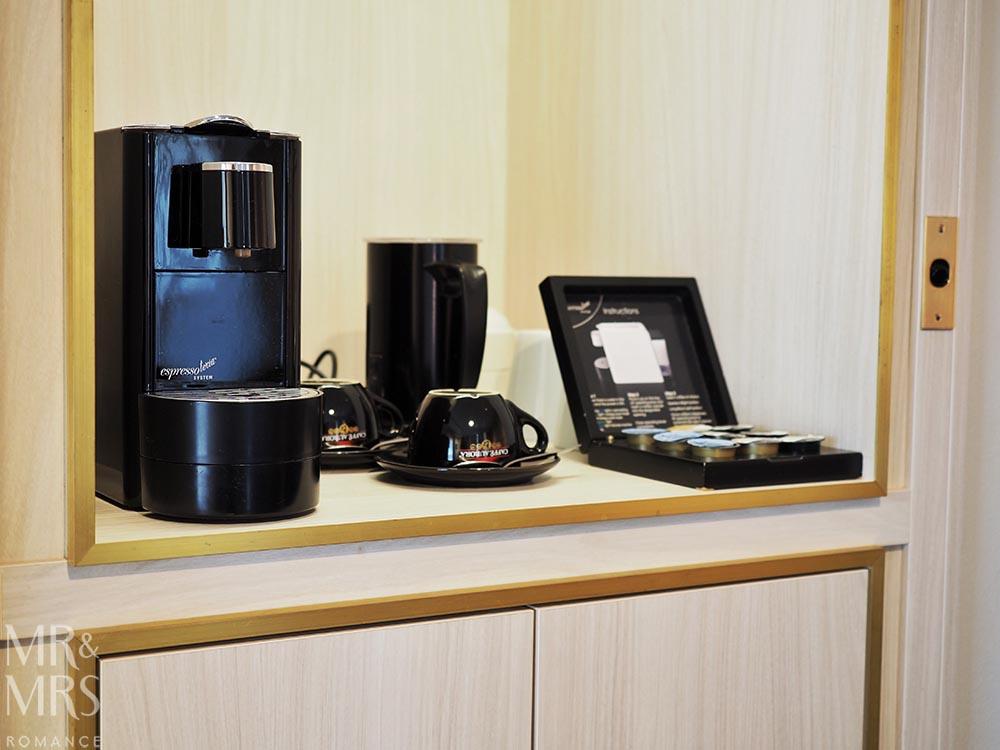 Where to stay in Tamworth NSW - Powerhouse Hotel Tamworth by Rydges - minibar coffee machine