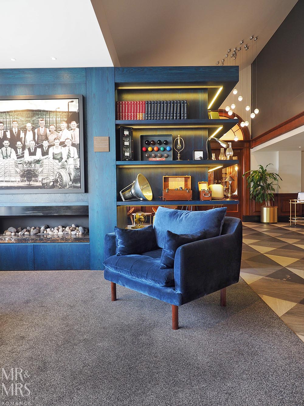 Where to stay in Tamworth NSW - Powerhouse Hotel Tamworth by Rydges - lobby fireplace