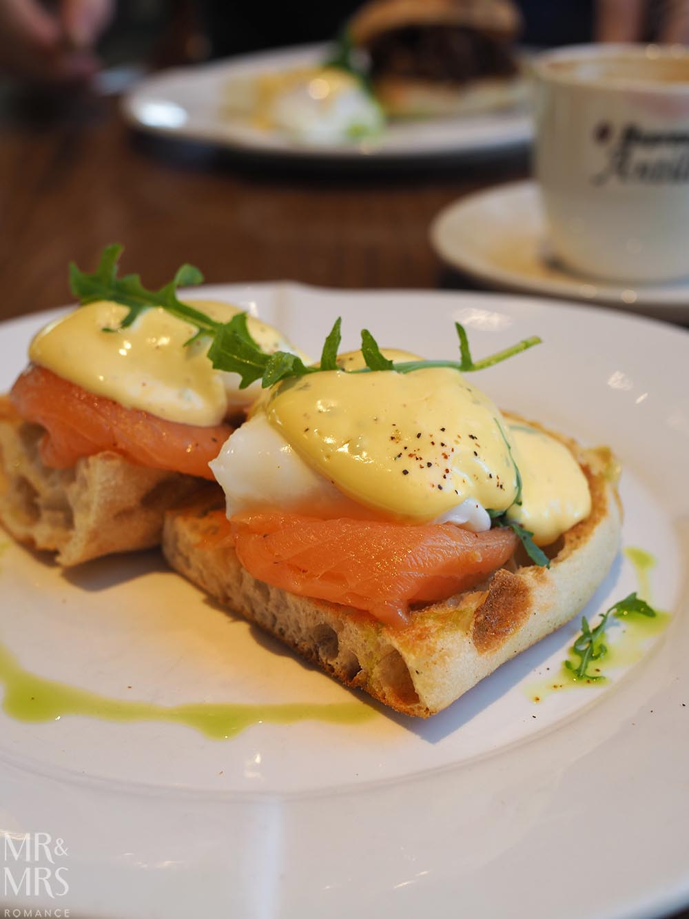 Where to stay in Tamworth NSW - Powerhouse Hotel Tamworth by Rydges - Workshop Kitchen eggs benedict