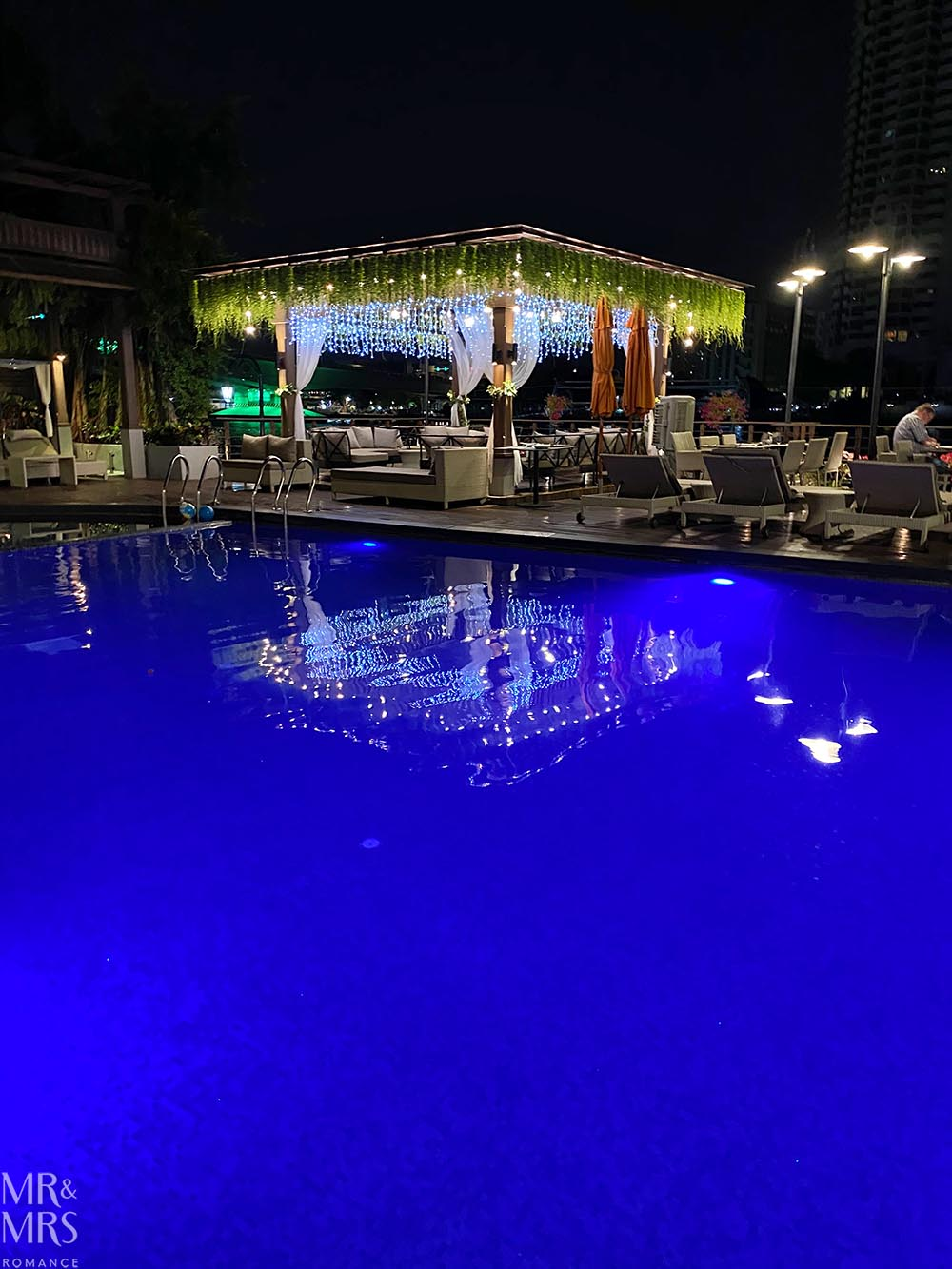 Where to stay in Bangkok Old Town - Riva Surya Hotel review - pool cabana at night