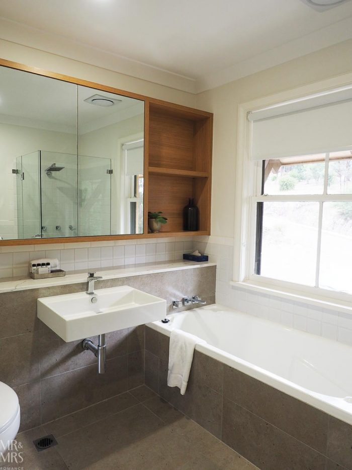 Where to stay in the Hunter Valley - Oaks Cypress Lakes Resort - ensuite bathroom
