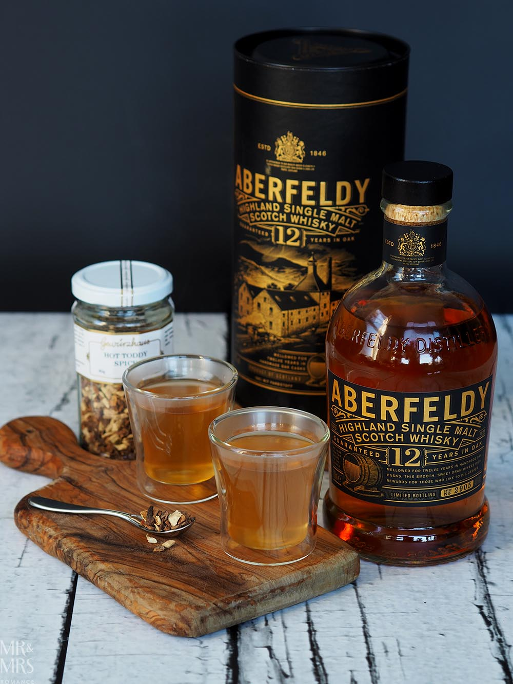 Warm cocktails for chilly evenings - hot toddy Aberfeldy 12
