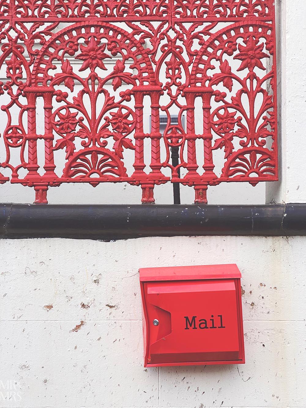 Red Victorian ironwork - Colourwalk